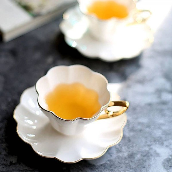 180ml white High grade Gold ceramic flower teacup Afternoon tea set coffee Cup and saucer set European style mugs