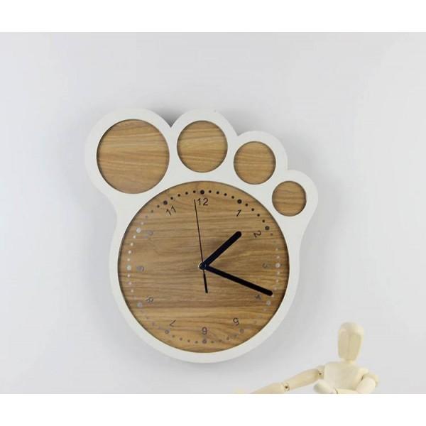 33*30cm Simple art creative clock Feet clocks wall clock living room bedroom silent clocks Wall decoration