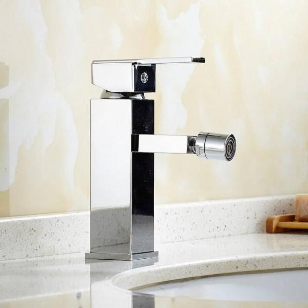 Bidet Faucets Chrome Finish Deck Mounted Solid Brass Bidet Faucet Single Hole Single Handle Women Wash Faucet Tap 9097L