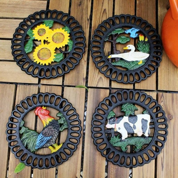Decorative Cast Iron Trivet For Kitchen Or Dining Table | Round with Animal Pattern | Hot Pads for Pots & Pans | Heat Resistant