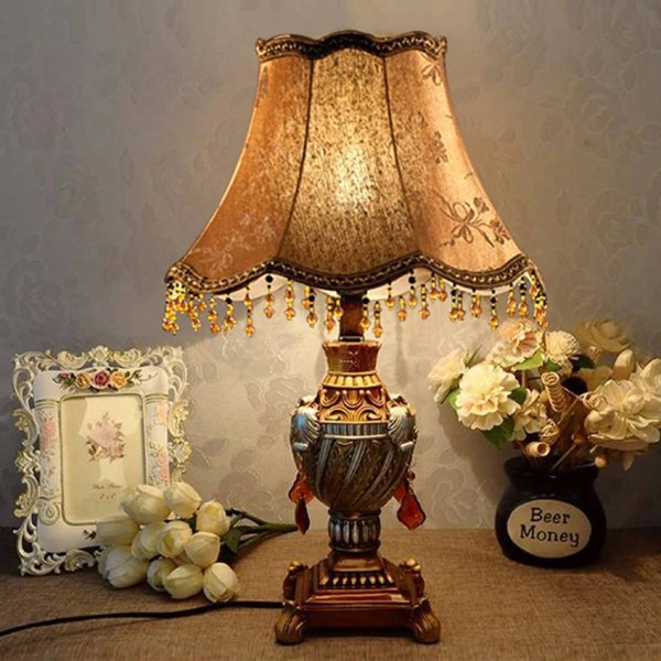 European Style Decoration Table Lamp nordic 2 colors Living Room Bedroom Bedside light fixture Classical Resin desk light