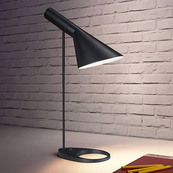 Nordic modern simple iron table lamp for bedroom bedside study room indoor lighting black white lampshade classic desk lamps