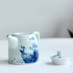 240ml Porcelain Handle Teapot Hand Painted Lotus Pattern Kung Fu Tea Set Drinkware Puer Oolong Tea Kettle Sent Friend