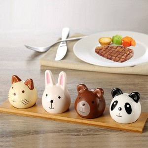 4pcs with bamboo tray Cute Animal Flavoring Jar Set Flavoring Bottle Kitchen Supplies Barbecue Pepper and Spice Jar Kitchen Jars