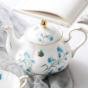 780ml European Style Coffee Pot Flower Pattern Ceramic Porcelain Teapot / Modern Drinkware Breakfast Milk Pot Juice Water Kettle