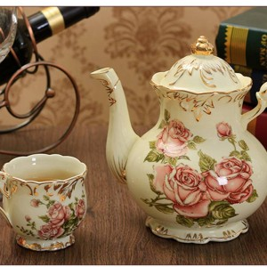 800ML Pastoral Style Floral Pattern Ceramic Porcelain Coffee Pot Royal Gold Border Milk Kettle with Lid Kit Teapot Wedding Gifts