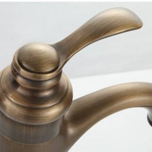 Basin Faucets Deck Mounted Antique Brass Washing faucet Single Handle Single Hole Basin Mixer Tap Hot And Cold Water Taps 7202