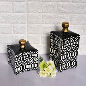 Black And White Geometric Pattern Decorative Pot Simple Fashion Nordic Style Ceramic Curved Surface Home Soft Decorative Vase