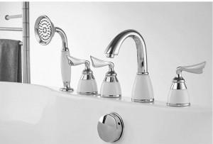 Chrome Deck Mounted Bathtub Faucet Set 5 Holes Widespread Tub Mixer Bathroom Goose Neck Bath Shower Set with Hand shower