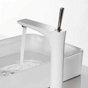 Chrome Mixer Bathroom Sink Faucet Basin Faucet Chrome Brass Faucet Chrome Faucet Basin Mixer Tap Deck Mount Torneira Tap 855008