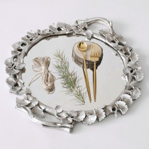 Classic Ginkgo Round Mirrored Accent Tray Resin Vanity Tray in Distressed Silver