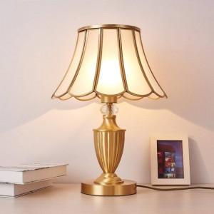 Continental American copper table lamp luxury retro art decoration light minimalist fashion creative study bedroom bedside table