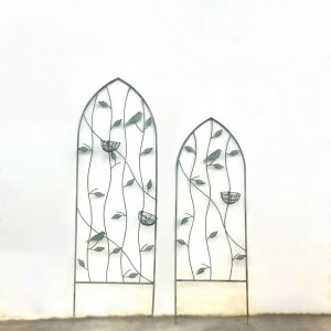 Farmhouse Vintage Metal Wall Climbing Plants Trellis Garden Accent with Decorative Leaf & Bird Nest in Small/Large Green