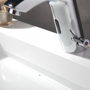 Contemporary Chrome Basin Faucets Deck Mounted Tap Mixer Sensor Bathroom Sink Faucet XR8865