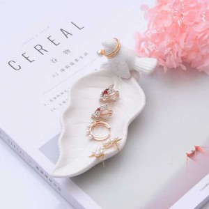 InsFashion simple style pure white leave shaped ceramic jewelry dish with bird for fancy girl and mother's day gift