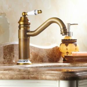 Kitchen Sink Bathroom Basin Faucets Brass Faucet Mixer Tap Swivel 9881/9882/9883