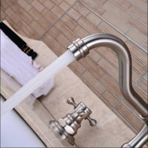 Luxury Basin Faucet Dual Holder Three-hole Bathroom Faucet Brushed Nickel Torneiras Para Banheiro Quente E Frio 2 Handle 8208