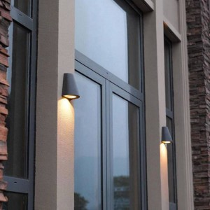 Modern LED porch light garden lighting waterproof outdoor wall lamps balcony courtyard Professional lighting outdoor wall sconce