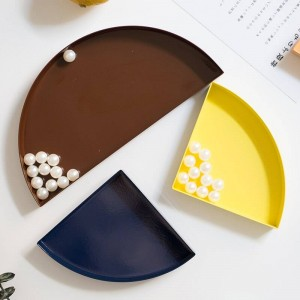Nordic Metal Semicircle Storage Tray Scandinavian Colorful Desk Fruit Jewelry Storage Plate Home Organizer
