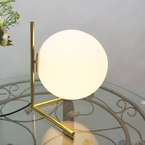 Nordic modern white glass table lamps for living room glass ball gold metal Bedroom Bedside table light industrial desk lamp