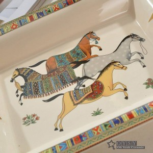 Porcelain ashtray bone god horse design outline in gold rectanglar shape ashtray home decoration supplies business gifts