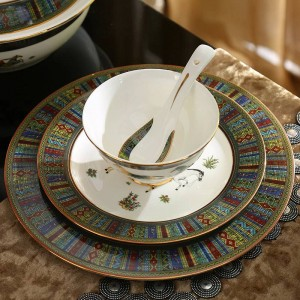 Porcelain dinnerware set bone god horses design outline in gold 58pcs dinnerware sets dinner set coffee sets wedding gift