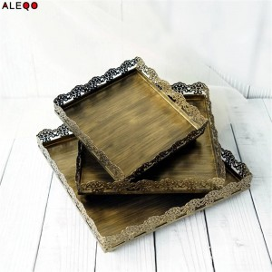 Retro Nordic Metal Office Table Storage Plate Chic Elegant Luxury Golden Lace Square Office Desk Storage Tray Cupcake Organizer
