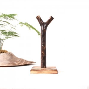 Rustic Free Standing / Wall Mounted Log Tree Trunk Kitchen Paper Towel Holder Square Base Solid Wood in Black / Oak / Brown
