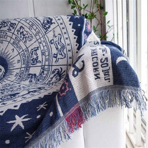Vintage Exotic Style Throw Blanket Gift Decorative Cobertor Manta Para Sofa/Beds Travel Plaid Non-slip Stitching Blankets Tassel