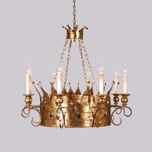 Vintage Noble Crown Candelabra Style 8-Light Chandelier Metal in Antique Gold