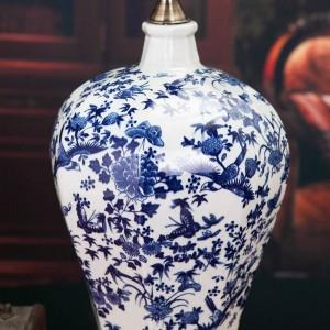 Vintage style porcelain ceramic desk table lamps for bedside Blue and White Porcelain porcelain table lamp shipping
