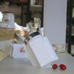 White ceramic Kitchen storage grain storage tank Sealed jar Spice jar Food storage tank Coffee dried fruit tea caddy