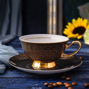 High Quality Porcelain Coffee Cups Vintage Ceramic Cups And Saucers Set Tea Cup Drinkware For Coffee