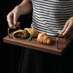 Plateau de poignée en bois de noix noire Plateau de thé Casse-croûte Assiette de desserts de fruits Planche à pain