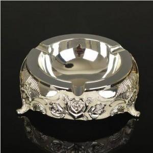 Cendriers en métal, articles de décoration et de bureau, ornements de belle personnalité