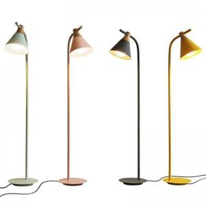 Nouveaux lampadaires classiques salon décoration métal et bois lampe colorée corps lampe abat-jour chambre chevet éclairage LED