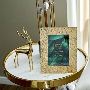 6/7 Pulgadas Simple Golden Leaf Craft Metal Photo Frame Sample Room Side Bed Frame Photo Frame Decoración adornos