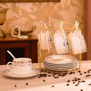 Juego de platillo y taza de café de cerámica europea Juego de taza de agua creativa Juego de 4 piezas de oro simple Juego de 6 juegos de platos de taza de café