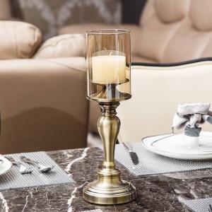 Candelabro de metal europeo Decoración Sala de estar de lujo Decoración de mesa Restaurante occidental Modelo Decoración suave Artesanías