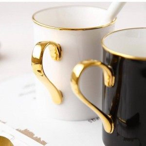 Taza europea Parejas Copas de oro Exquisitos regalos de cerámica hechos a mano de la taza de café