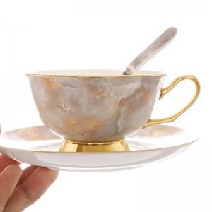 Juego de tazas de café de hueso de oro de alto grado Taza de té rojo británico Plato de taza de café de cerámica europea Caja de regalo de té de la tarde