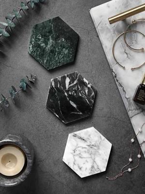 Prácticos de costa de mármol naturales europeos antideslizantes de la estera de la taza de café del aislamiento irregular del diamante de Marble Coaster