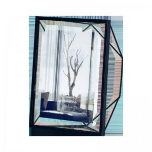 Marco de fotos de metal Configuración Personalidad creativa Marco de fotos Escritorio Moderno Minimalista Marco de fotos de vidrio geométrico 6 pulgadas 7 pulgadas