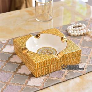 Cenicero de porcelana porcelana marfil 2 tamaños del diseño marcado en cenicero de forma cuadrada de oro para regalos de inauguración de la casa