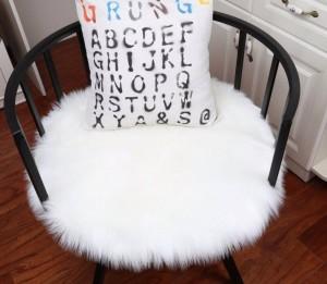 Alfombra de piel de oveja de imitación blanca Manta de piel sintética Manta de piel de imitación Mantas decorativas para alfombras de piso de la cama y alfombras para sala de estar