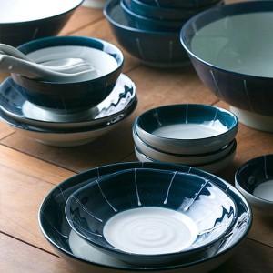 Keramikgeschirrsets für 1 Person / 2 Person / 6 Person Tiefblaue Keramikschalen Langes japanisches Sushi-Geschirrset aus Porzellan