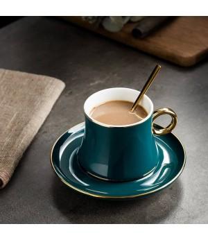 Europäischen Stil Keramik Kaffeetassen Set Kreative Golden Edge Tee Tasse und Untertasse Mode Blume Tee Teetasse Porzellan