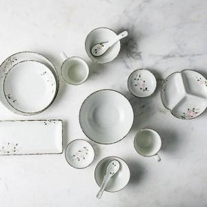 2人/ 6人陶磁器食器セット日本の花がデザインした陶器のボウルロング寿司ビッグボウル磁器ディナーセット