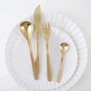 4ピースゴールドブラック日本マットステンレス鋼カトラリー洋風食品ステーキフォークデザート家族フルーツフォーク食器セット