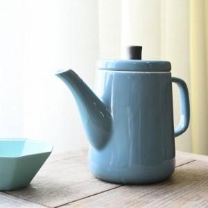 ステンレス鋼フィルターが付いている日本の模造エナメルの冷たいやかんのコーヒーポットのティーポット釉薬の模造エナメルの冷たいやかん
